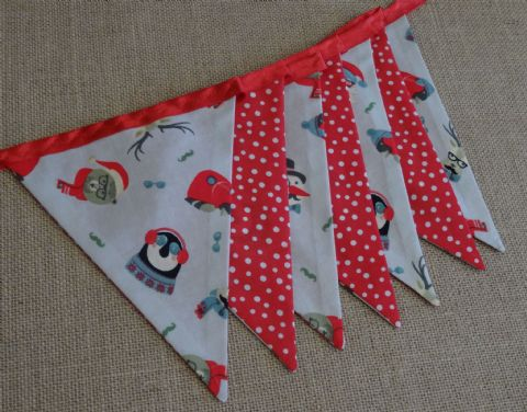 CHRISTMAS BUNTING - Santa, Faces & Snowballs on Red Ribbon - 3 Length - 14 flags (double-sided)